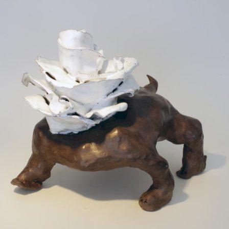 CHIEN ROSE,  céramique,  27 x 21 x 25 cm